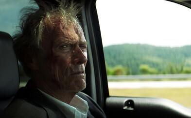 Pašerák od Clinta Eastwooda je príjemnou rozlúčkou hereckej a režisérskej ikony. Na zadok ťa však neposadí (Recenzia)