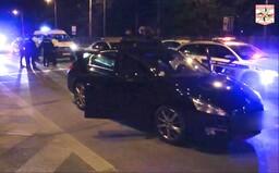 Patnáctiletá řidička z Brna si krátila izolaci jízdou po městě, po honičce s policií bourala. Přijel pro ni čtrnáctiletý bratr