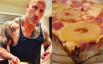 Patrí ananás na pizzu? Dwayne Johnson ukončil odvekú debatu o havajskej pochúťke