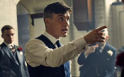 Peaky Blinders zasiahne vojna a londýnski fašisti. Debutový trailer 5. série je plný výbuchov a smrti