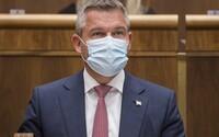 Pellegrini chce rozšíriť trestné oznámenie na Igora Matoviča a ďalších členov vlády. Vraj prispeli k šíreniu nákazlivej choroby