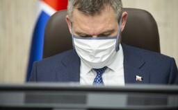 Pellegrini vysvetľuje štúdiu, podľa ktorej sa koronavírusom nakazí 45 % Slovákov, krízový štáb prijíma nové opatrenia