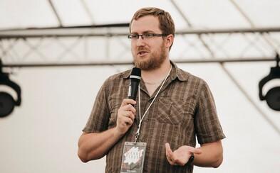 Pete z organizace NePornu: Drtivé procento závislých na pornografii jsou stále muži, ale píší nám i ženy (Rozhovor)