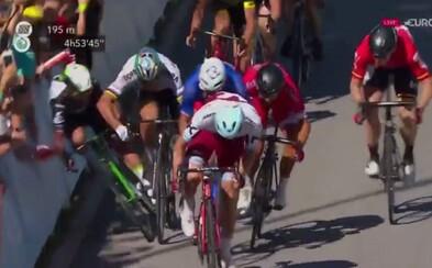 Peter Sagan dostal na Tour de France penalizáciu! Kvôli spôsobeniu pádu Marka Cavendisha mu organizátori udelili 30-sekundový trest