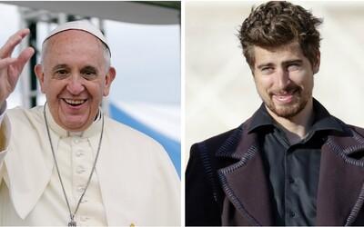 Peter Sagan navštívil pápeža. Františkovi daroval podpísaný dres a bicykel