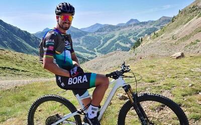 Peťo Sagan sa pripravuje na tohtoročnú sezónu aj v horách. Na sociálnych sieťach zverejnil video z parádneho zjazdu