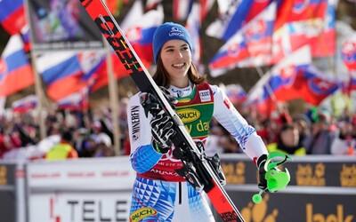 Petra Vlhová získala malý krištáľový glóbus za víťazstvo v hodnotení slalomu. V celkovom poradí skončila tretia