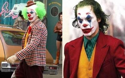 Phoenixův Joker vyvolává šílenství v ulicích New Yorku na nových fotkách z natáčení. Kdo si ve filmu zahraje malého Bruce Wayna?