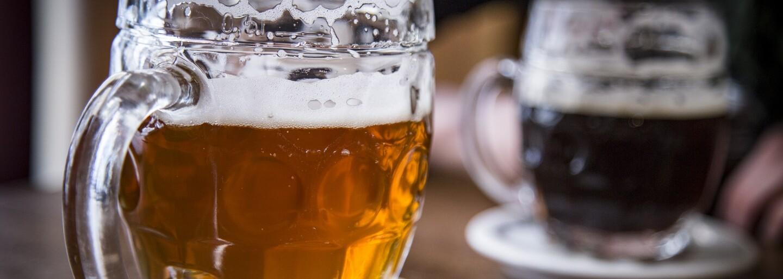 Pijte pivo, radí magistrát Prahy. Město bojuje proti smogu originálním způsobem