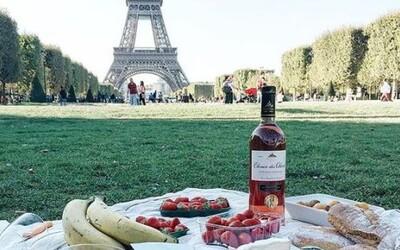 Piknik v prírode či domáce wellness. Týchto 15 tipov na rande s minimálnym rozpočtom ti ušetrí peniaze a vytvorí romantiku