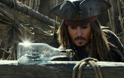 Piráti Karibiku zarábajú za prvý víkend 270 miliónov a aj po piaty raz sa tak vezú na vlne finančného úspechu (Box Office)