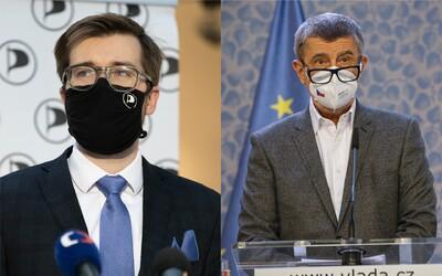 Piráti žalují premiéra Andreje Babiše. Podle nich na Twitteru šíří lži