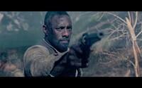 Pištoľník Roland Deschain sa snaží zastaviť Muža v čiernom v nových záberoch epickej fantasy The Dark Tower podľa Stephena Kinga