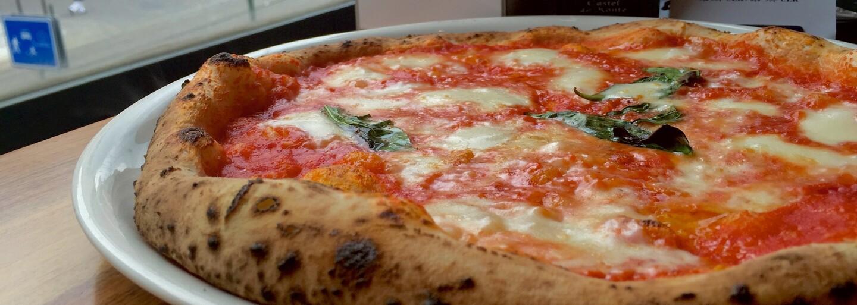 Pizza Nuova je prý jedna z nejlepších v Praze. Zjistili jsme, zda je to pravda