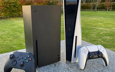 PlayStation 5 versus Xbox Series X. Táto konzola je podľa nás lepšia