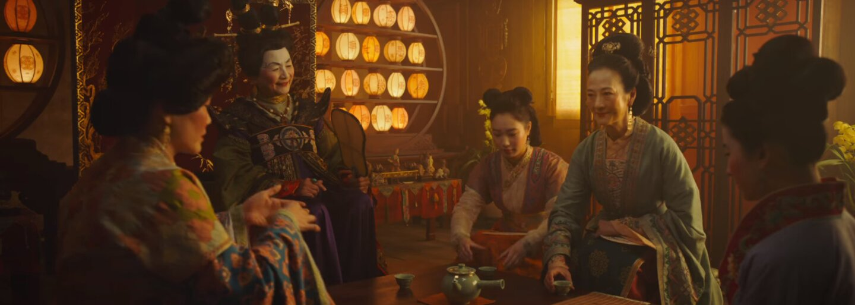 Po Aladinovi a Levom kráľovi dostáva svoj hraný remake aj Mulan. V prvom traileri bojuje proti presile a predvádza akrobácie