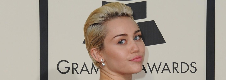 Po dlouhé odmlce se Miley přihlásila o slovo novým singlem. Škoda jen, že ničím nenadchne