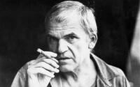 Po internetu se šířil hoax, že zemřel Milan Kundera. Informaci údajně zveřejnil italský mistr fake news