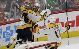 Po sedmi letech dal brankář v NHL gól. Soupeřovi obránci se pouze ohlédli