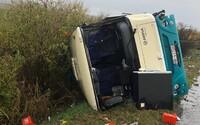 Po srážce autobusu na Slovensku zemřelo 12 lidí, z toho 4 děti. Dalších 20 se zranilo.