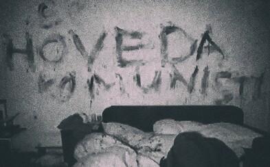 Po tom, čo zavraždil svoju manželku a syna, využil kaluže krvi ako atrament a na steny v dome napísal odkazy pre políciu