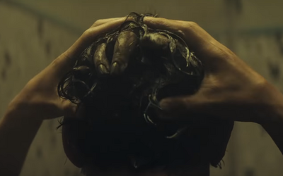Po tomto filme budeš mať strach vkročiť do kúpelne. Horor Nenávisť ti vlezie pod kožu hneď prvým trailerom