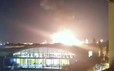 Po výbuchu v chemickej továrni vymrštilo kus plechu, ktorý zabil muža 2 kilometre od nehody