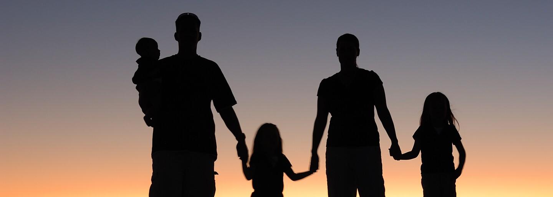 Po založení rodiny ťa nemusí čakať len stereotypný život. Prinášame ti najkrajších rodičov na Instagrame