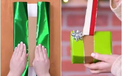 Po zhlédnutí tohoto videa si řekneš, že balení vánočních dárků nikdy nebylo jednodušší a zábavnější
