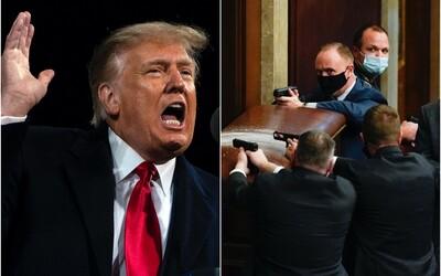 Počas demonštrácií vo Washingtone zomreli 4 ľudia. Facebook, Instagram a Twitter zablokovali Trumpa, šíril klamstvá