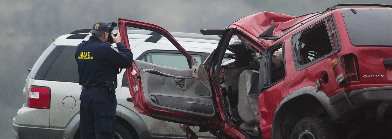 Počas jazdy prepínal pesničku a o pár sekúnd už usmrtil štyroch ľudí. Rodina pozostalých sa podelila s verejnosťou o video z nehody, aby sa im v budúcnosti predišlo