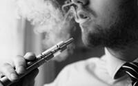 Počet úmrtí spojených s vapingom sa opäť zvýšil, mŕtvych je už 11