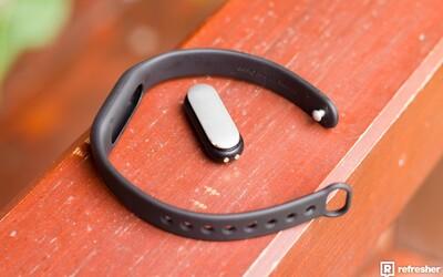 Počíta kroky, analyzuje spánok a odmeria aj tep. Je Mi Band 1S od Xiaomi využiteľný gadget? (Recenzia)