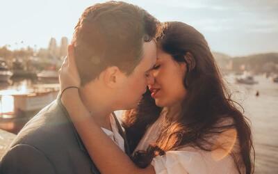 Podcast: Co nikdy nedělat na prvním rande a měl by na schůzce platit muž?