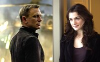 Podľa herečky Rachel Weisz by mal James Bond ostať mužom. Ženské agentky si podľa nej zaslúžia vlastné a originálne príbehy