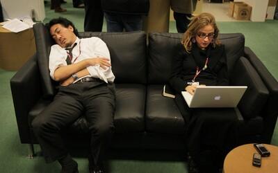 Podľa írskych vedcov by si mali zamestnanci každý pondelok v práci zdriemnuť. Aj 20 minút dokáže s výkonnosťou človeka urobiť divy
