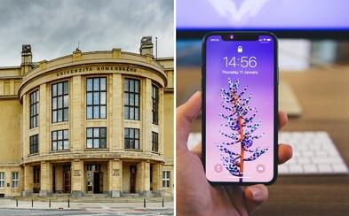 Podľa slovenského učiteľa je zákaz mobilov na hodinách hlúposť