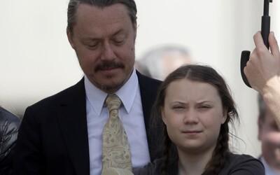 """Podle otce Grety Thunberg byl špatný nápad vynechávat školu: """"Je šťastná, ale já mám obavy"""""""