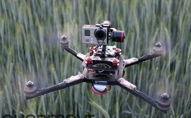 Podomácky vyrobený dron fascinuje svojou rýchlosťou
