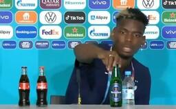 Pogba během tiskové konference sundal ze stolu lahev Heinekenu. Zřejmě kvůli vyznání