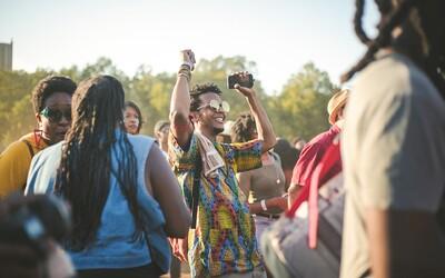 Pojď ven: Vyraz na festival United Islands, dvojkoncert Katarzie nebo  queer událost roku