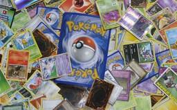 Pokémon karta za takmer 60-tisíc dolárov, prostitútky či Lamborghini. Aj takto minuli niektorí ľudia pandemické pôžičky