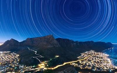 Pokochaj sa víťaznými zábermi súťaže o najkrajšiu fotografiu oblohy. Nádherné, však?