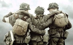 Pokračovanie vojnových seriálov Band of Brothers a Pacific od Stevena Spielberga a Toma Hanksa sa začne natáčať už v marci