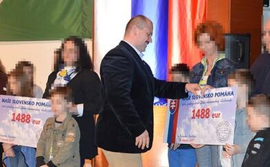 """Pokračuje súd s Marianom Kotlebom, za prejavy extrémizmu s """"1488"""" šekmi mu hrozí 8 rokov za mrežami (aktualizujeme)"""