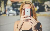 Pokud neustále koukáš do svého mobilu, používáš ho úplně špatně, tvrdí tvůrce iPhonu