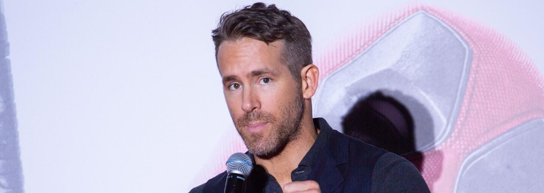 Pokus Ryana Reynoldse o splnění výzvy odstranění víčka kopnutím skončil fiaskem