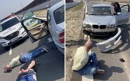 Policejní honička jako z GTA: Muže zastavila až prostřelená pneumatika