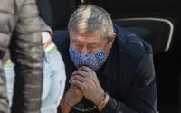 Policajný funkcionár, ktorého zadržali v rovnaký deň ako Dušana Kováčika, sa priznal ku všetkým skutkom. Spolupracuje s políciou