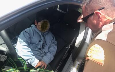 Policajti chytili iba 5-ročného chlapca šoférovať SUV na diaľnici. Vraj si šiel kúpiť nové Lamborghini